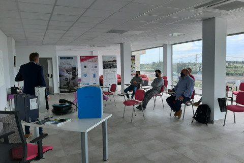 Dimae Catarroja celebra una sesión formativa sobre cargadores eléctricos Orbis de la mano de Mavipas