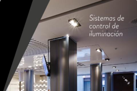 Simon explica las ventajas de utilizar reguladores de iluminación en las viviendas