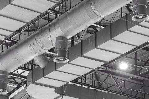 Descubre las diferencias entre un extractor de aire industrial y un ventilador y los nuevos climatizadores evaporativos de Soler&Palau